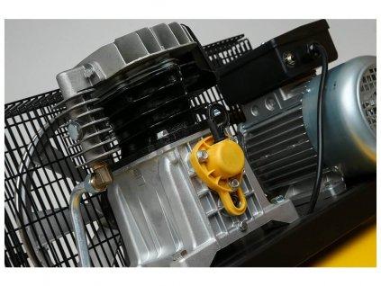 Olejový kompresor B26B-2,2-200CM