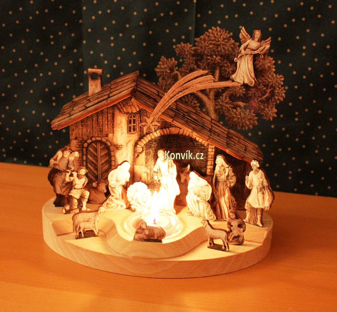 Dřevěný betlém z masivu se svíčkou velký