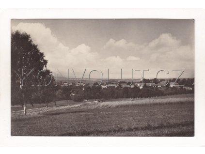 Radostín Velké Meziříčí celkový pohled ČB foto Orbis MF F 41610 č. 1 6802 456 052113 1960 32a