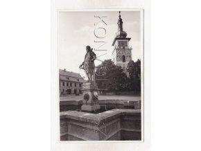 Nové Město na Moravě Žďár nad Sázavou kostel kašna socha ČB foto Grafo Čuda Vysočina 1a