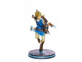 First 4 Figures LINK -  The Legend of Zelda: Breath of the Wild 25 cm