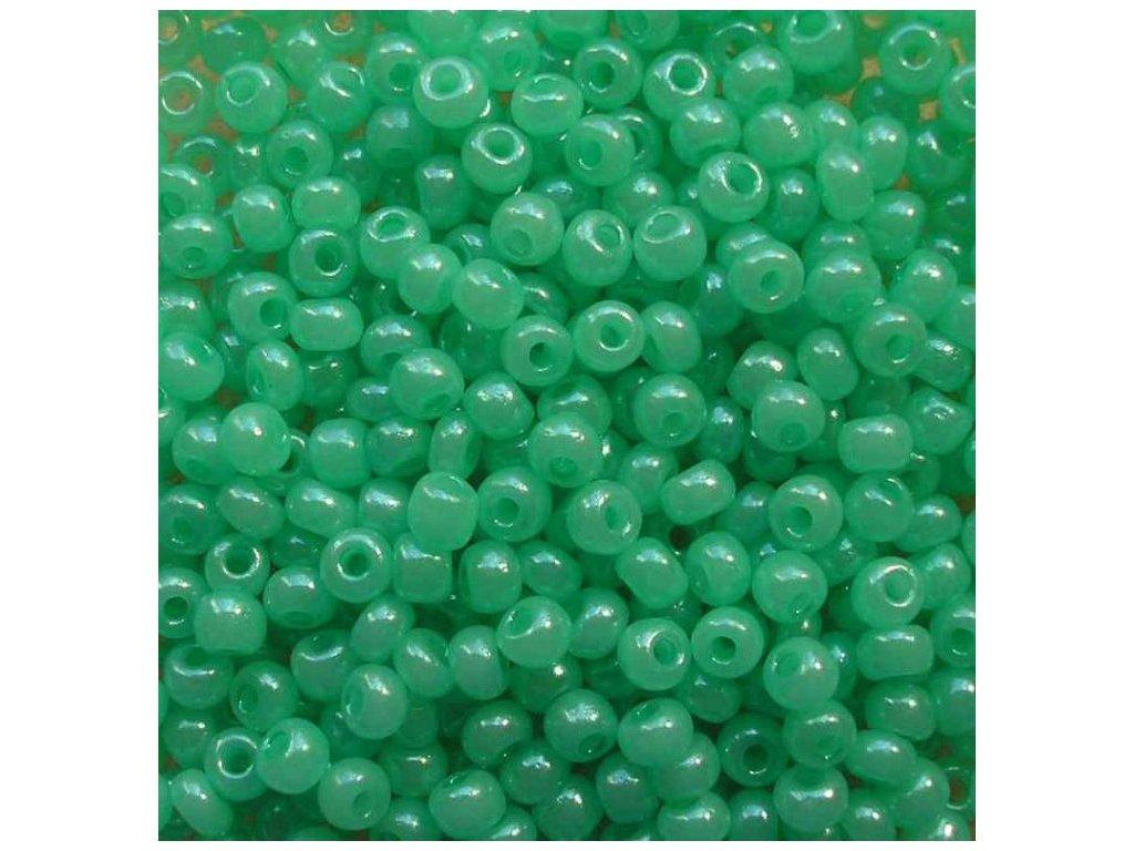 Korálky - rokajlové perličky světle zelené s listrem 5/0