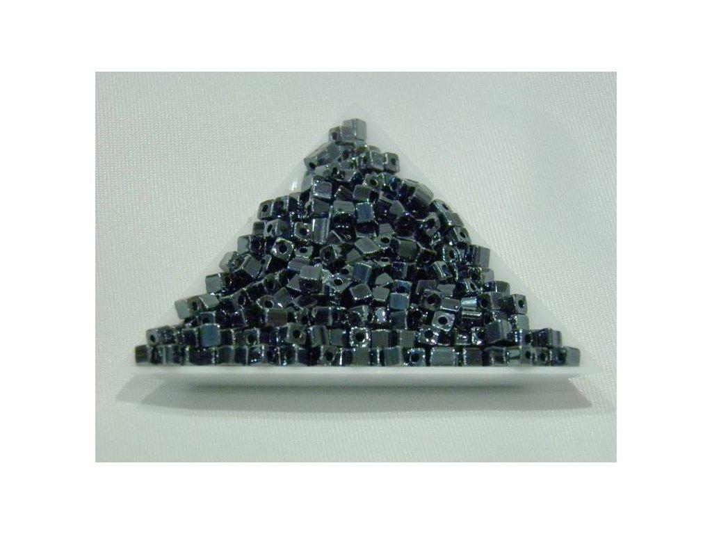 Korálky - rokajlové kostičky 49102 - 3,4 x 3,4 mm