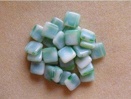 Korálky mačkané - čtverečky dvoudírové - bílo-zelené (MKL50/12)