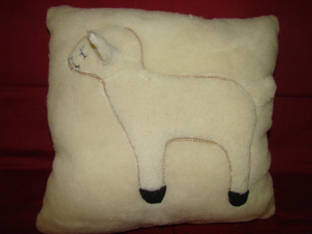 Polštářek s ovečkou - bílý