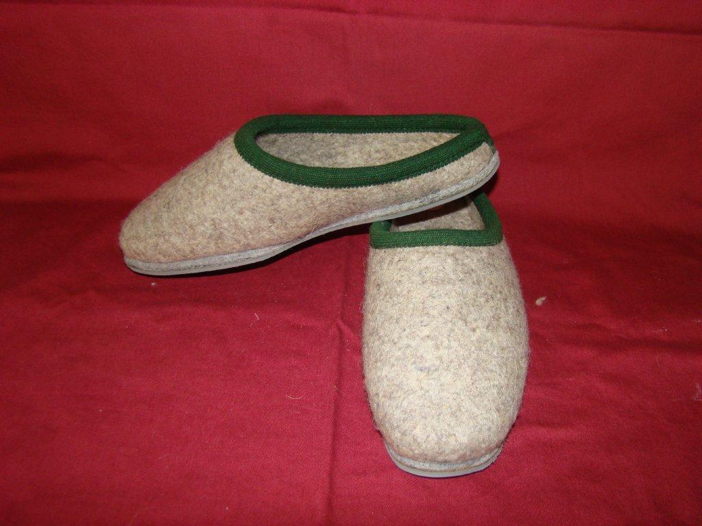 Plstěné vlněné pantofle s poro podrážkou