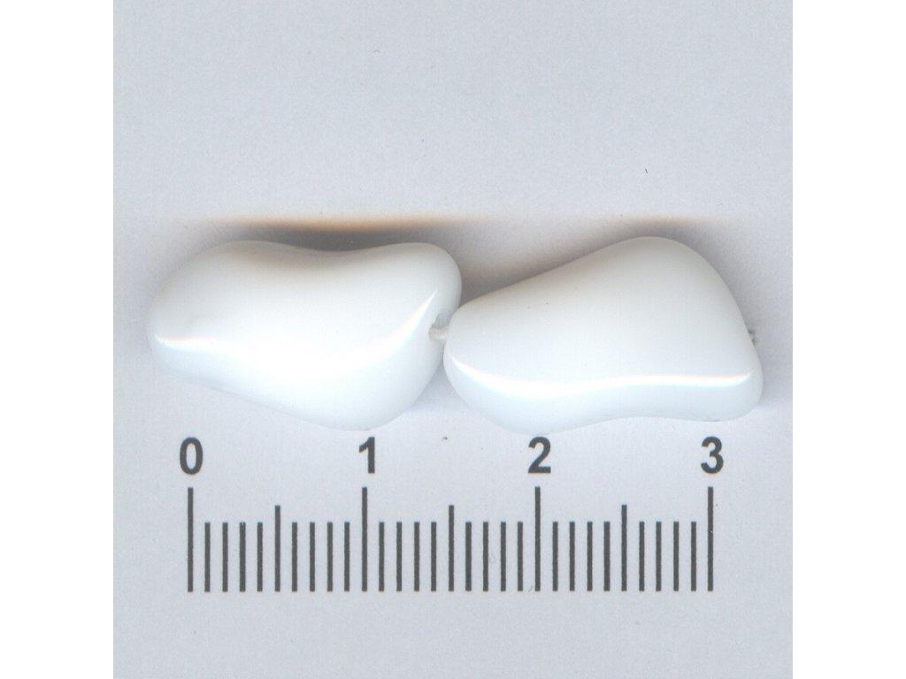 Mačkané korále tvarové 18x11 02010