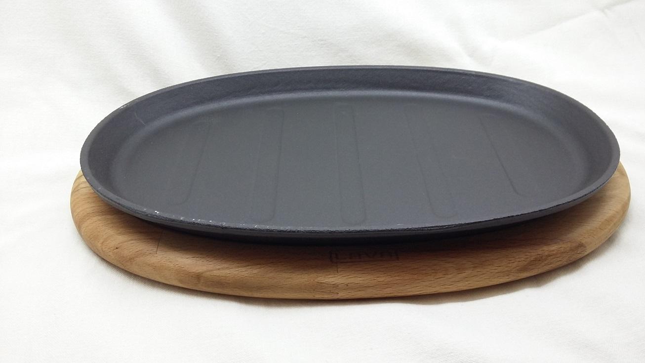"""LAVA METAL """"Fajita"""" pánev 18x28cm s dřevěným podstavcem"""