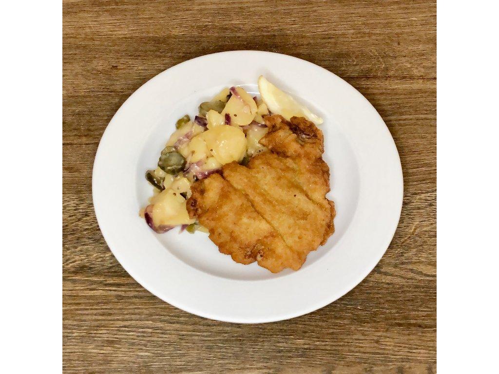 Řízek z telecí kýty smažený na másle, lehký bramborový salát, 120g
