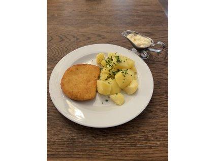 Smažený sýr vyzrálý šest týdnů s naší tatarskou omáčkou, brambory vařené ve slupce