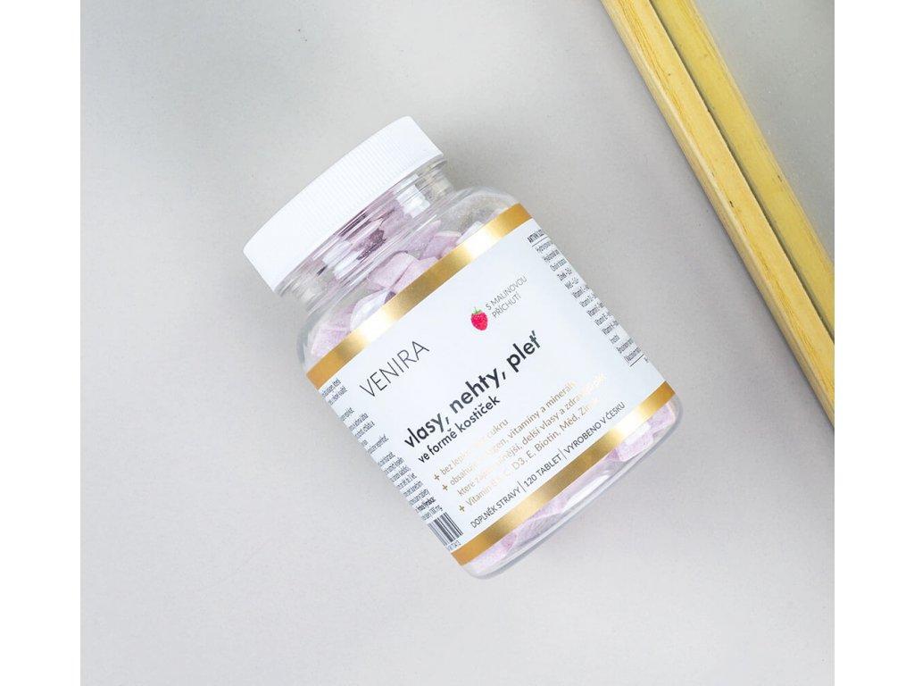 Venira vitamíny pro vlasy, nehty a pleť ve formě kostiček malina