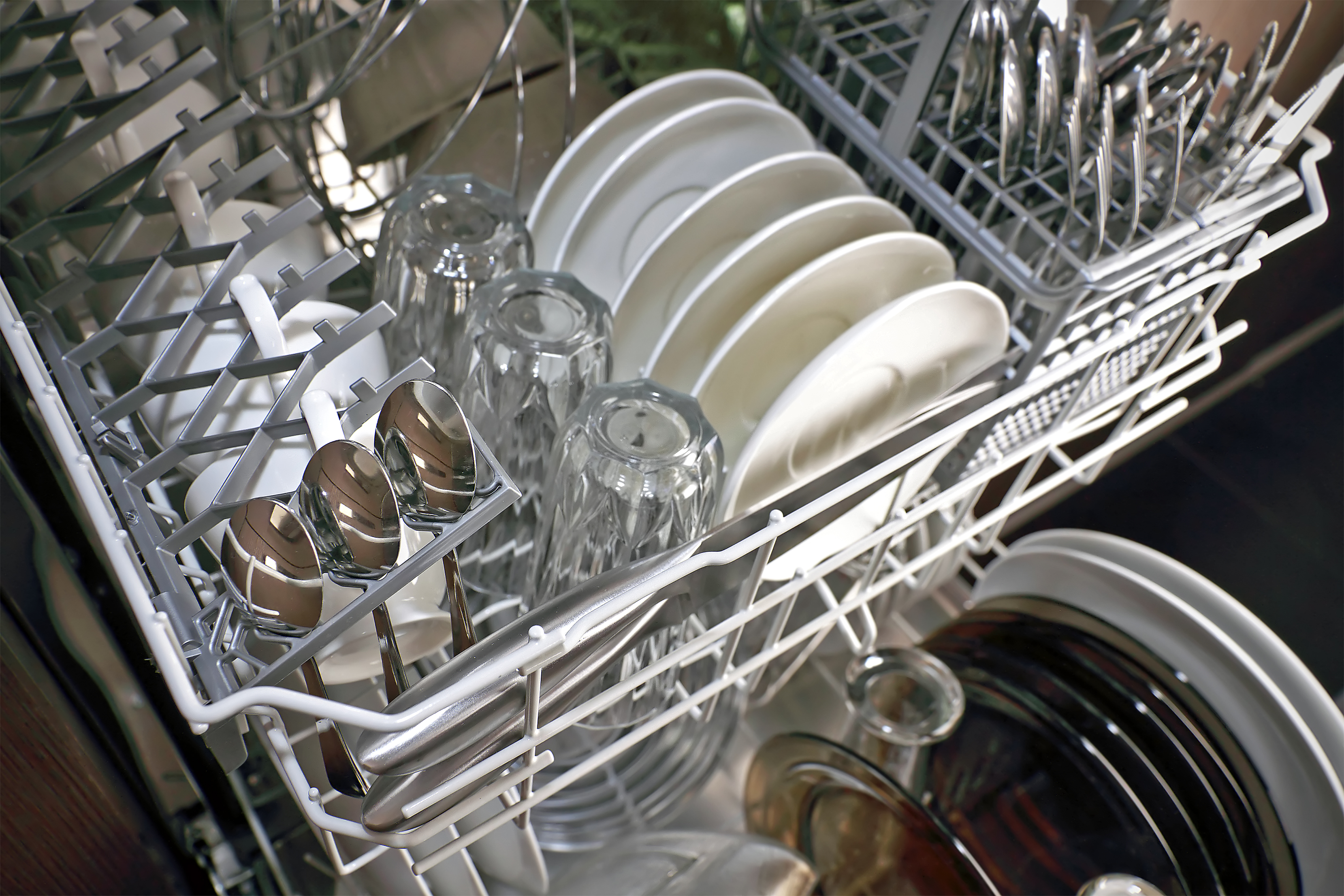 dishwasher-not-cleaning-1