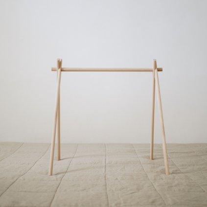 dřevěná hrazdička pro miminko