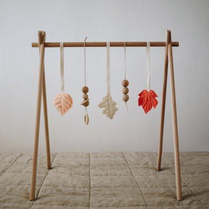 Set dřevěné hrazdičky s hračkami