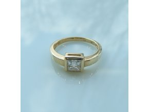 Zlatý prsten - žlutý se zirkonem