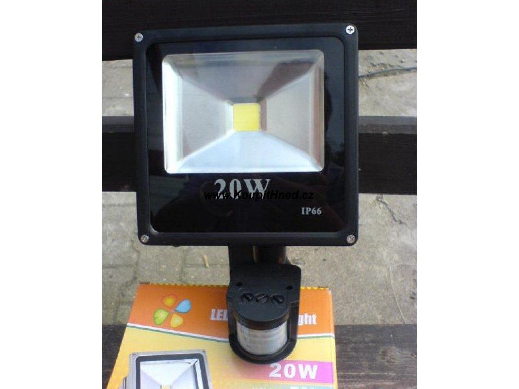 LED Reflektor 20W s čidlem