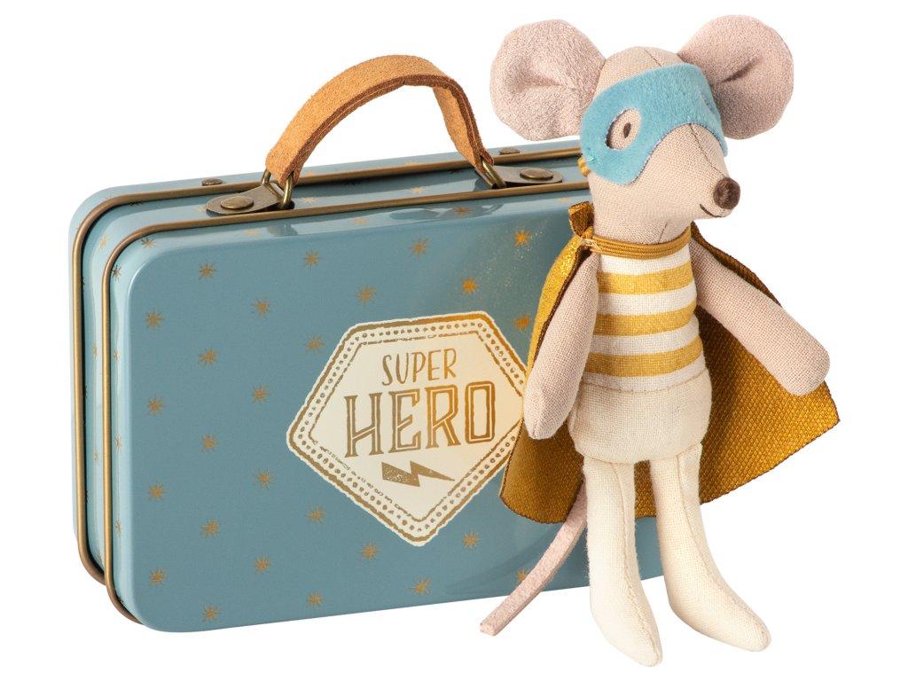 Maileg Myší superhrdina v kufříku - malý bráška
