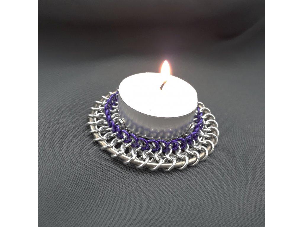 Svícen s fialovou krajkou (5)