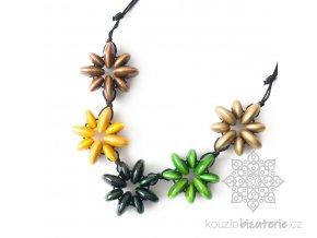 Dřevěné korále květy