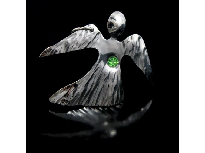 andílek se světle zeleným kamínkem
