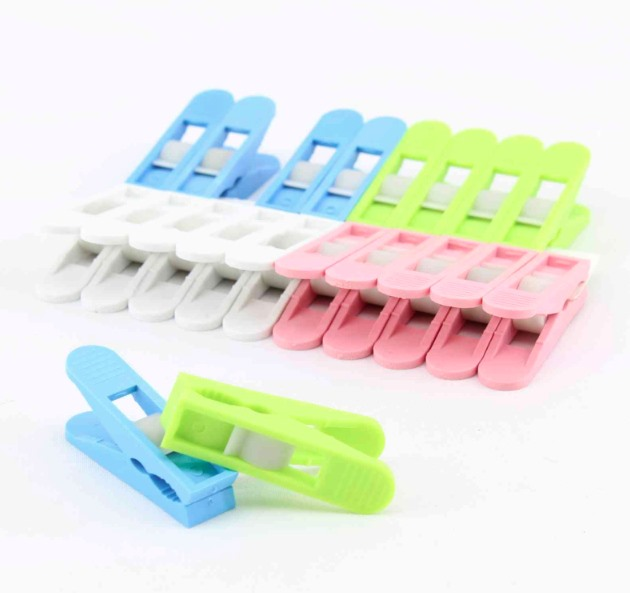 Kolíčky na prádlo 20ks plast  MINI, mix barev