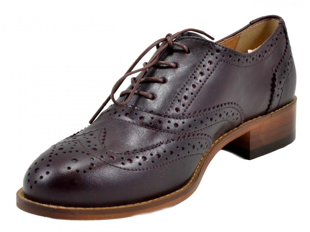 Kožené dámské boty v pánském stylu: Proč byste je měla nosit?