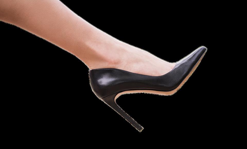 Dámské plesové boty: Jak vybrat ty správné, ve kterých protančíte celou noc?