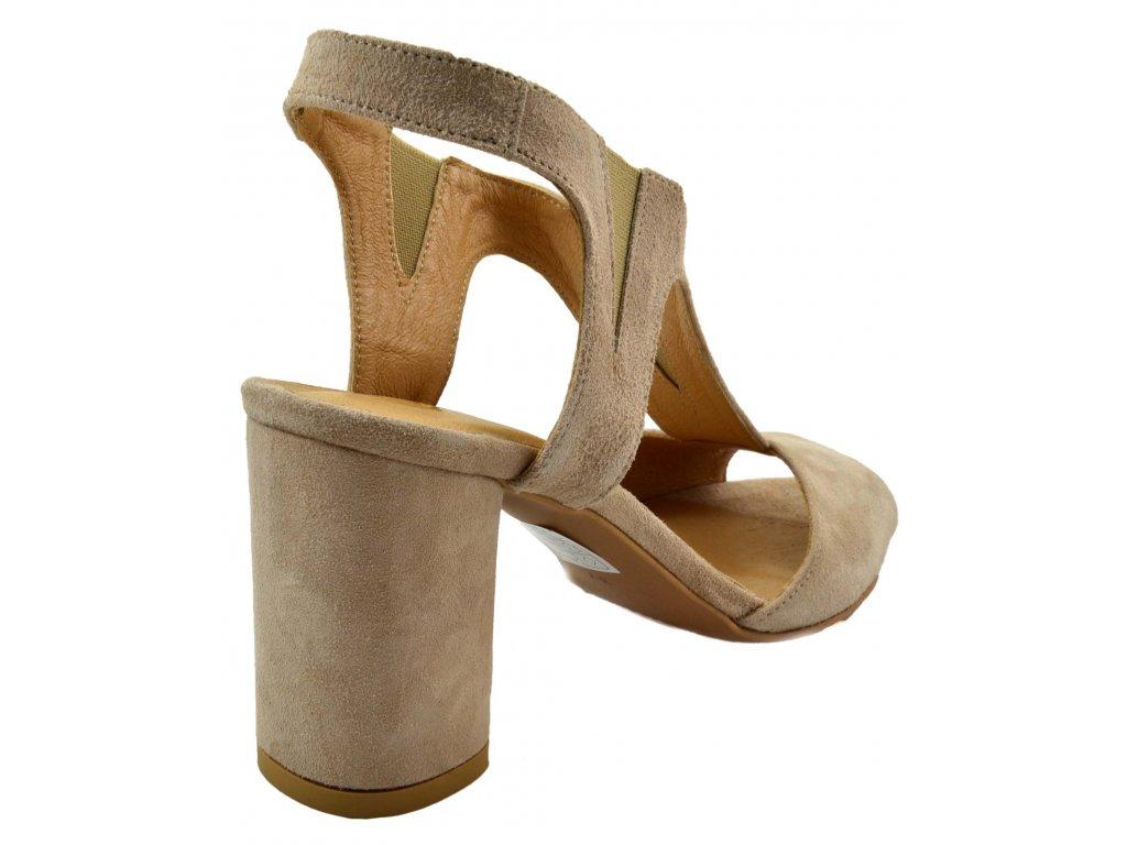 b6be7ff3fb2cf Béžové sandálky na vyšším podpatku - kozeneboticky.cz