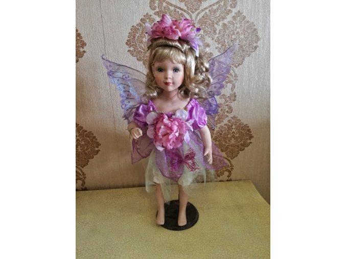 Víla s motýlkem porcelánová panenka Ross Stewart