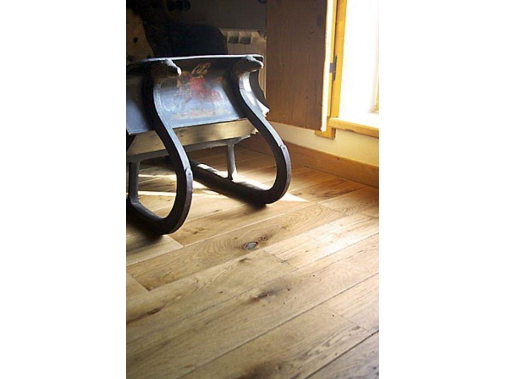 Dubová podlaha - BEETLE