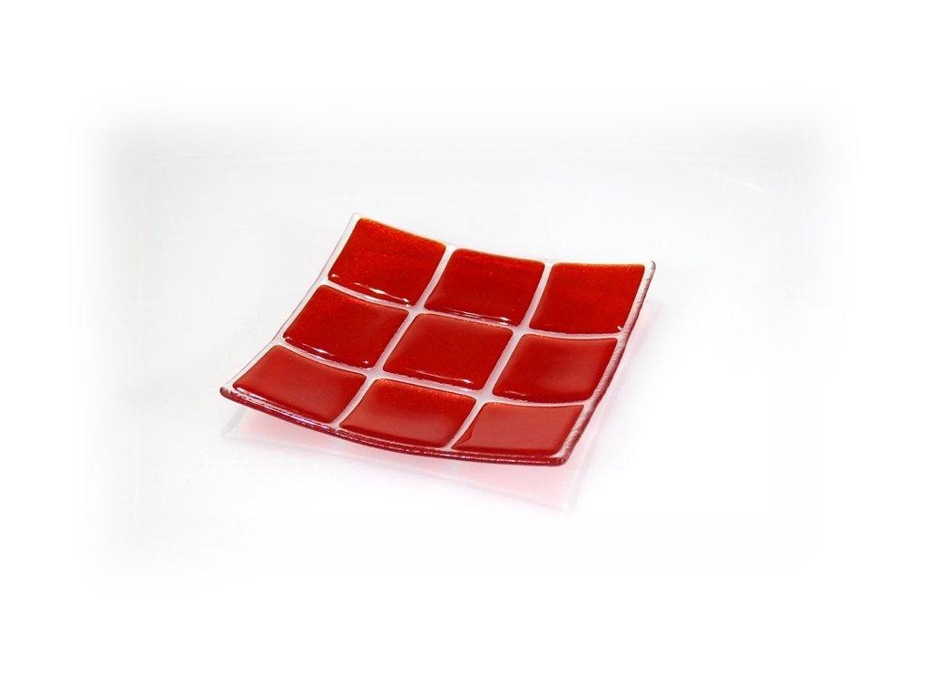 skleněná miska červená