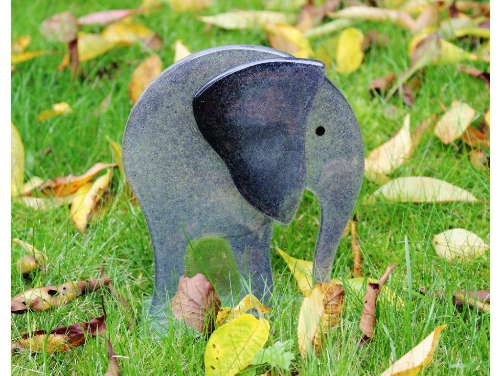 skleněný slon