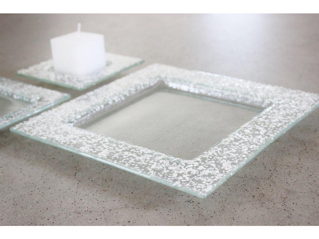 Drop skleněný talíř 25x25cm bílý