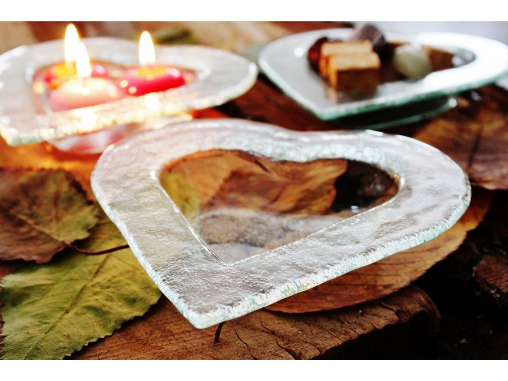 miska ve tvaru srdce
