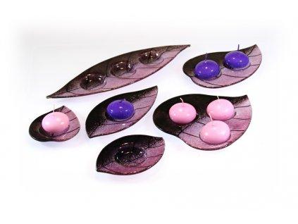 skleněný svícínek růžovo fialový