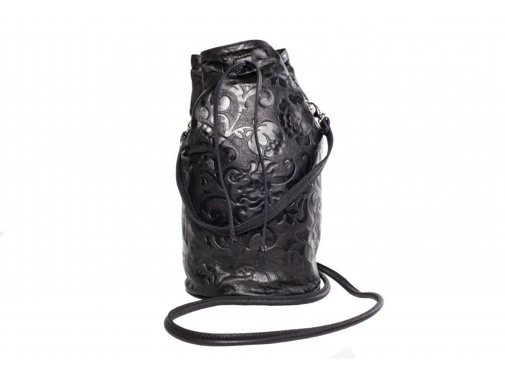 Čierna kožený batůžek