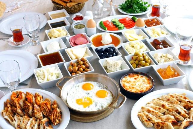 Brunch ala turecká snídan