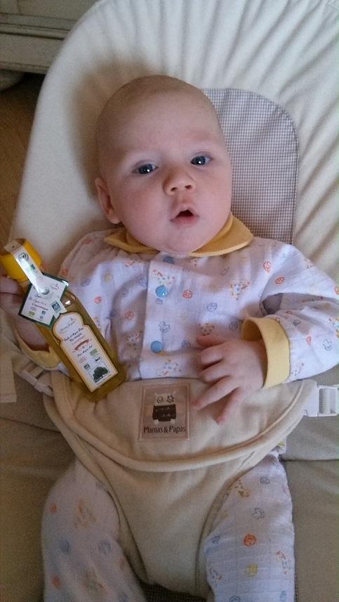 miminko pouzivajici arganovy olej