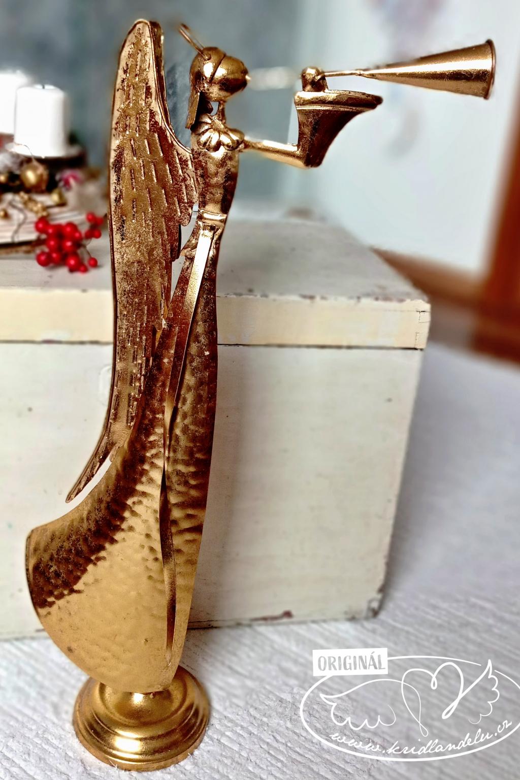 Anděl kovový - Zlatý andělský zvěrozvěst 72cm