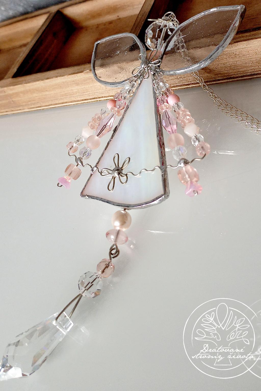 Andělská vitráž - něžná náruč 36cm