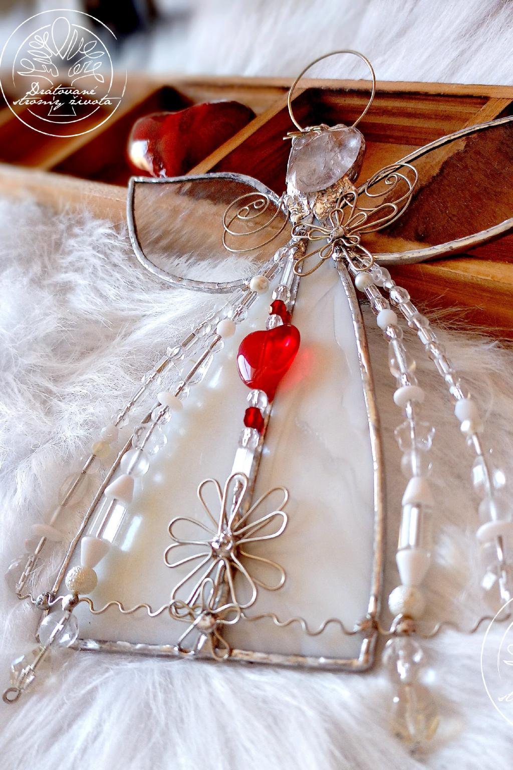 Andělská vitráž - Křišťálový léčitel se srdcem23cm