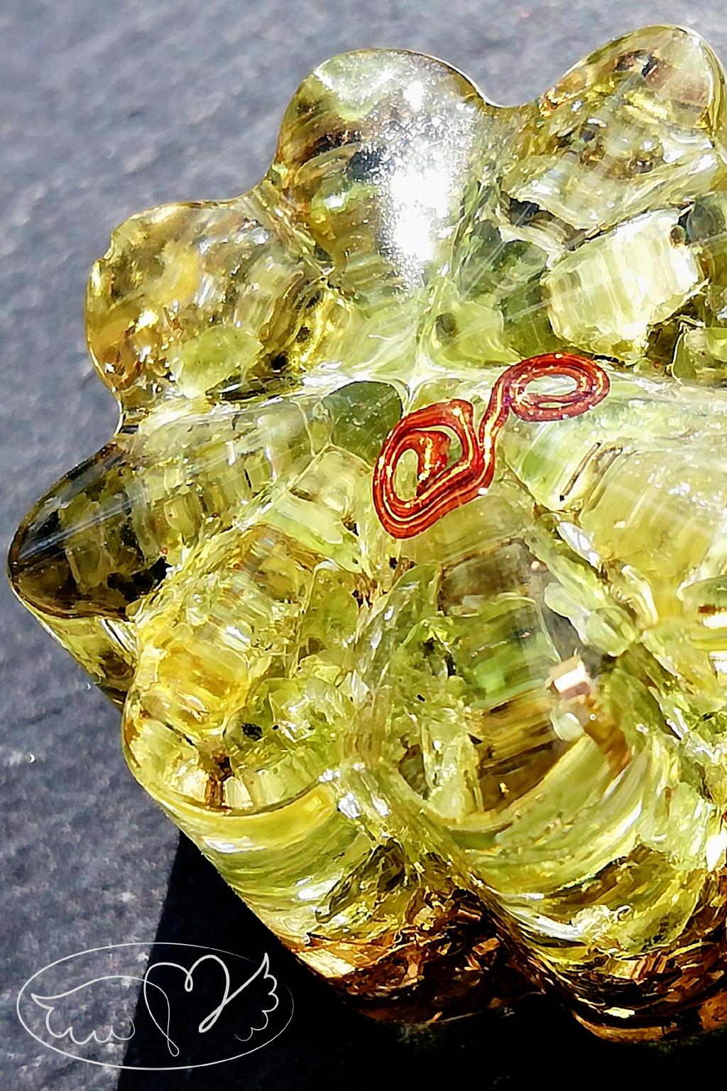 Orgonitová kytička - Radost s olivínem 2,5cm