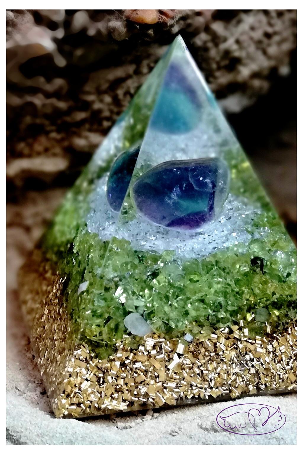 Orgonitová pyramida - harmonie ducha i těla s Fluoritem