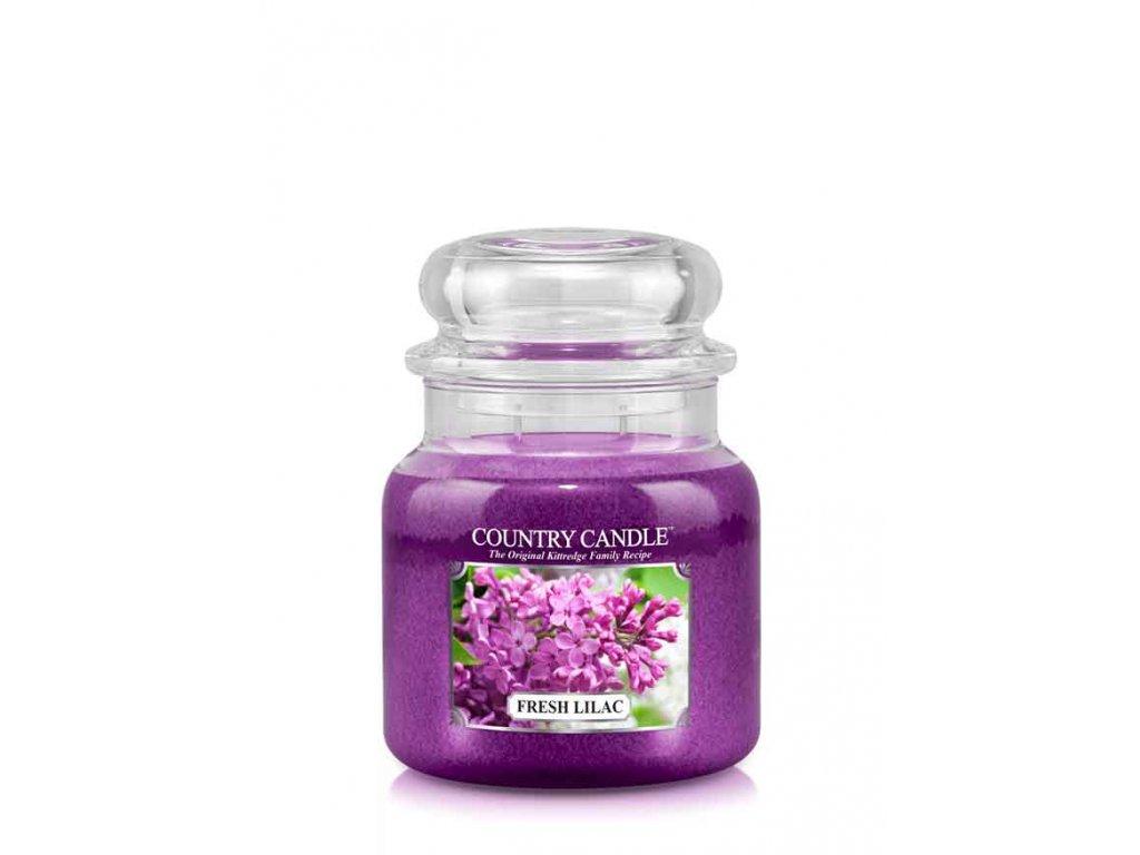COUNTRY CANDLE Fresh Lilac vonná sviečka stredná 2-knôtová (453 g)