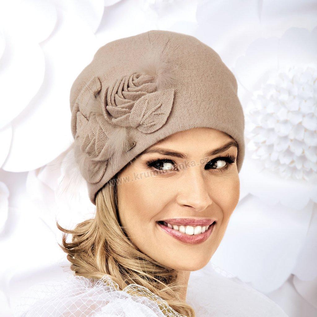 Vlněná čepice dámská s překládanými lístky