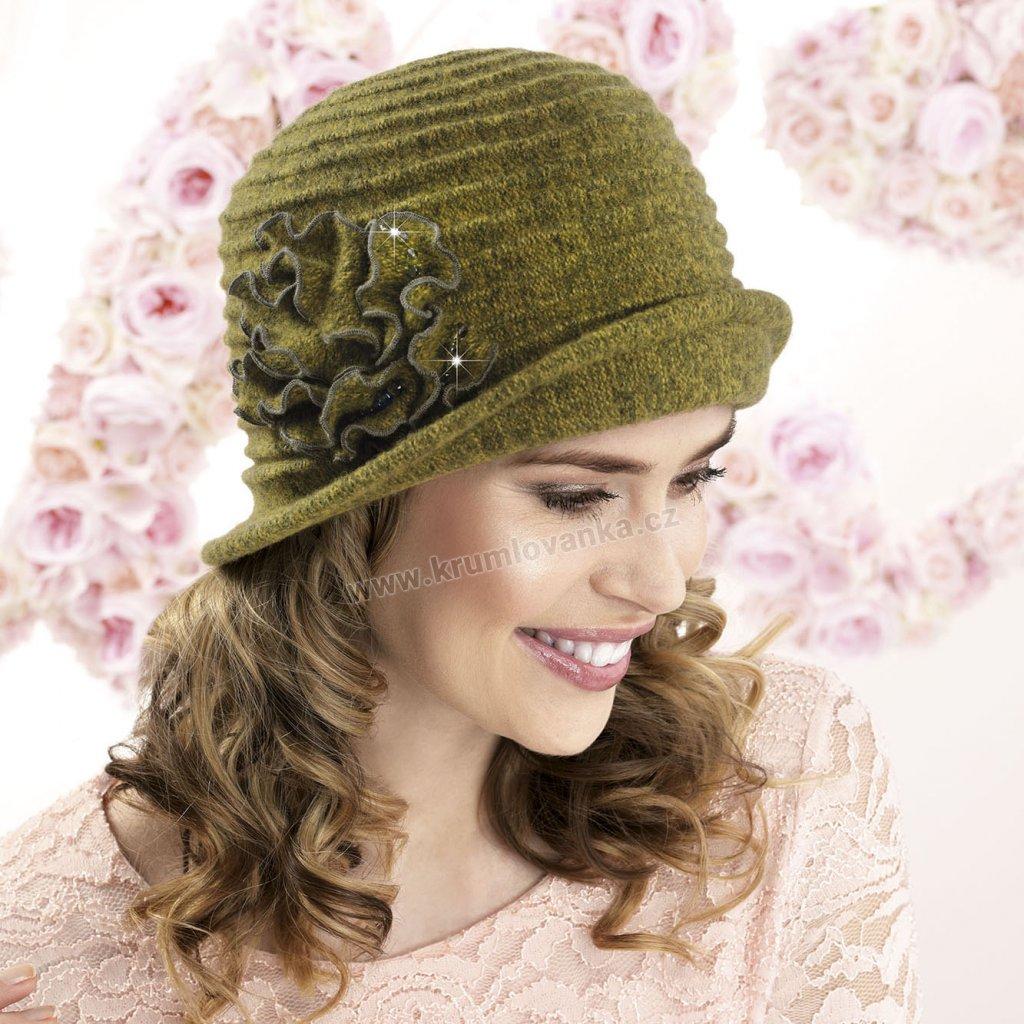 Dámský vlněný klobouk s ozdobou
