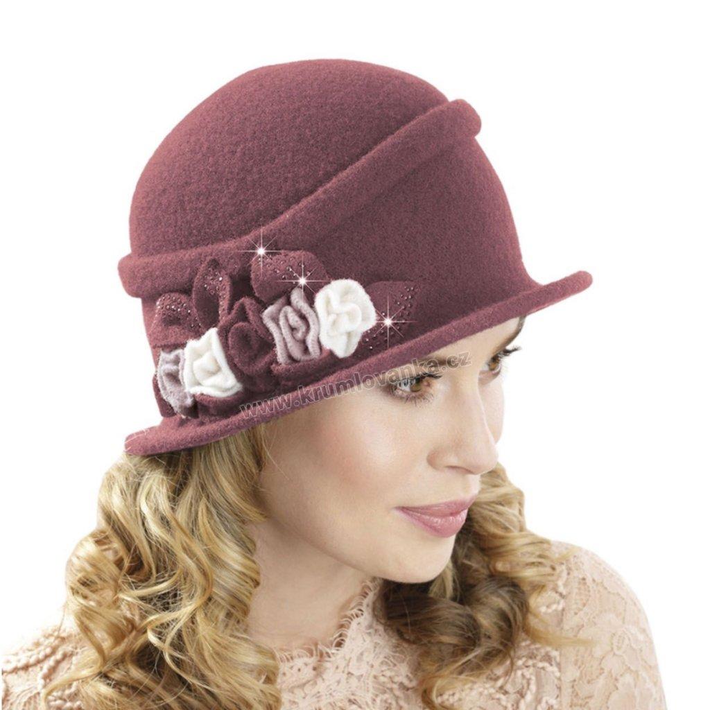 Dámský vlněný klobouk s kvítky a třpytkami šeříkový