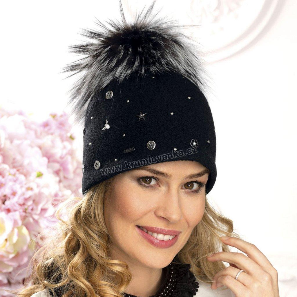 Zimní čepice  s banbulí W-0029/018 černá
