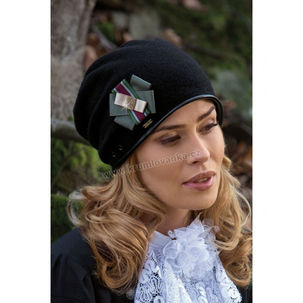 Dámská vlněná čepice W-0067/018 černá