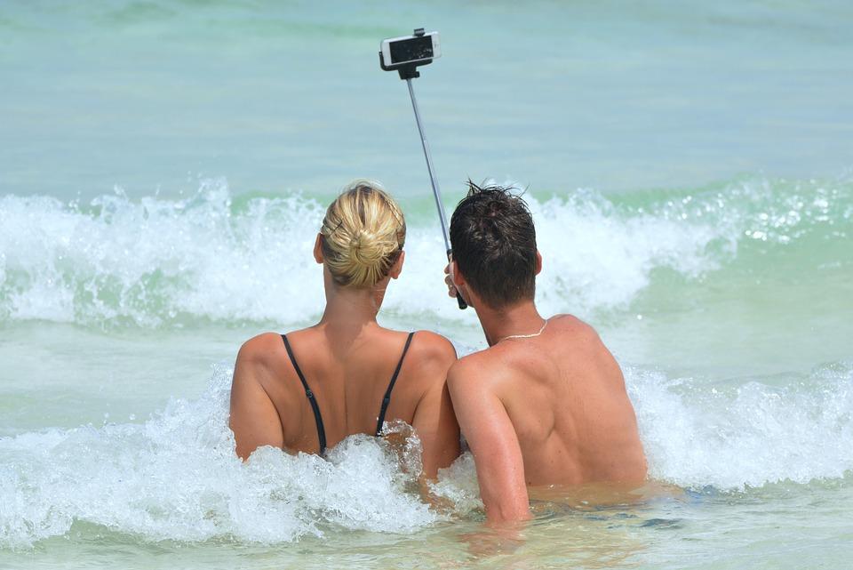 Selfie tyč k focení a natáčení videí: Jak vybrat tu pravou?